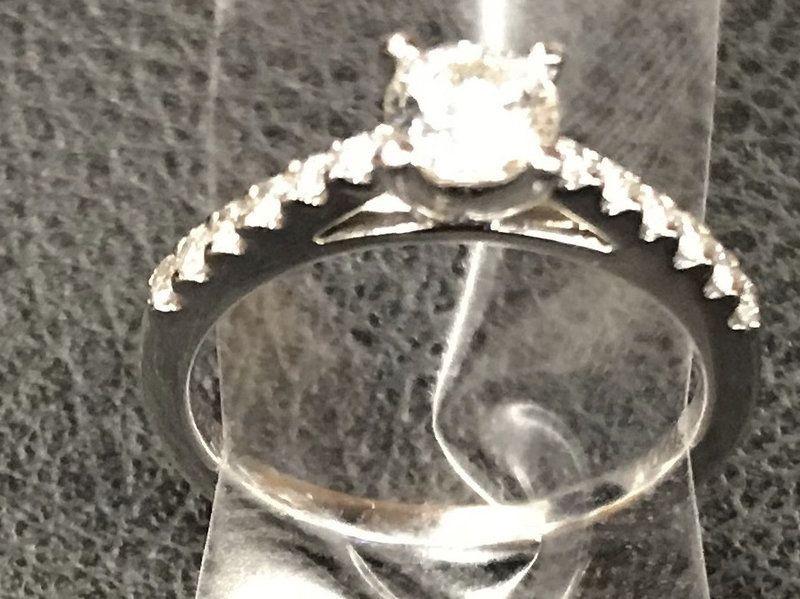 كيف وجدت شرطة نيويورك الخطيبين الذين أضاعا خاتما في لحظة رومانسية؟