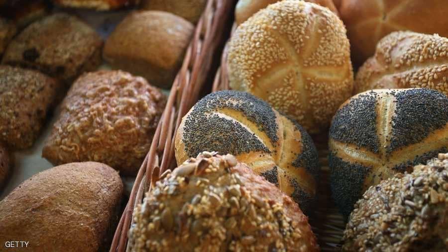 الإمارات تعتمد تحديث 3 مواصفات إلزامية للخبز والتبغ