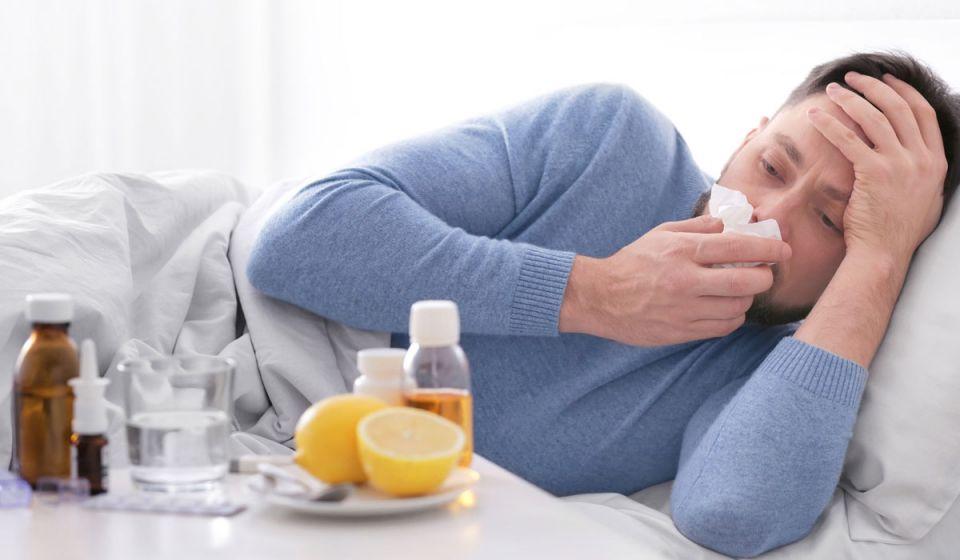 من يتعافى من الإنفلونزا بشكل أسرع.. النساء أم الرجال؟
