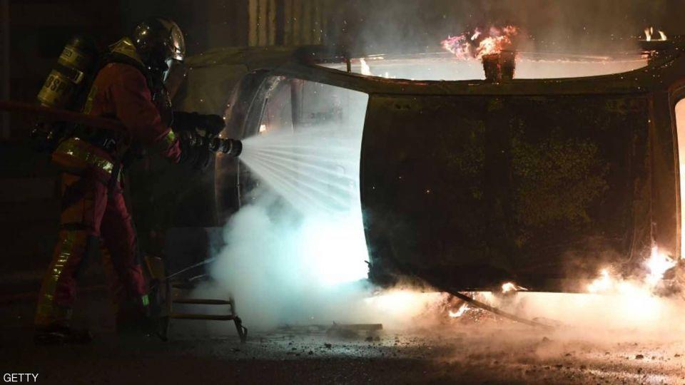 بالصور : حركة الستر الصفراء تستمر.. و فوضى تغمر شوارع فرنسا