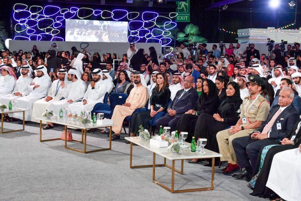 محمد بن راشد يشهد حفل تكريم الفائزين بجائزة رواد التواصل الاجتماعي العرب
