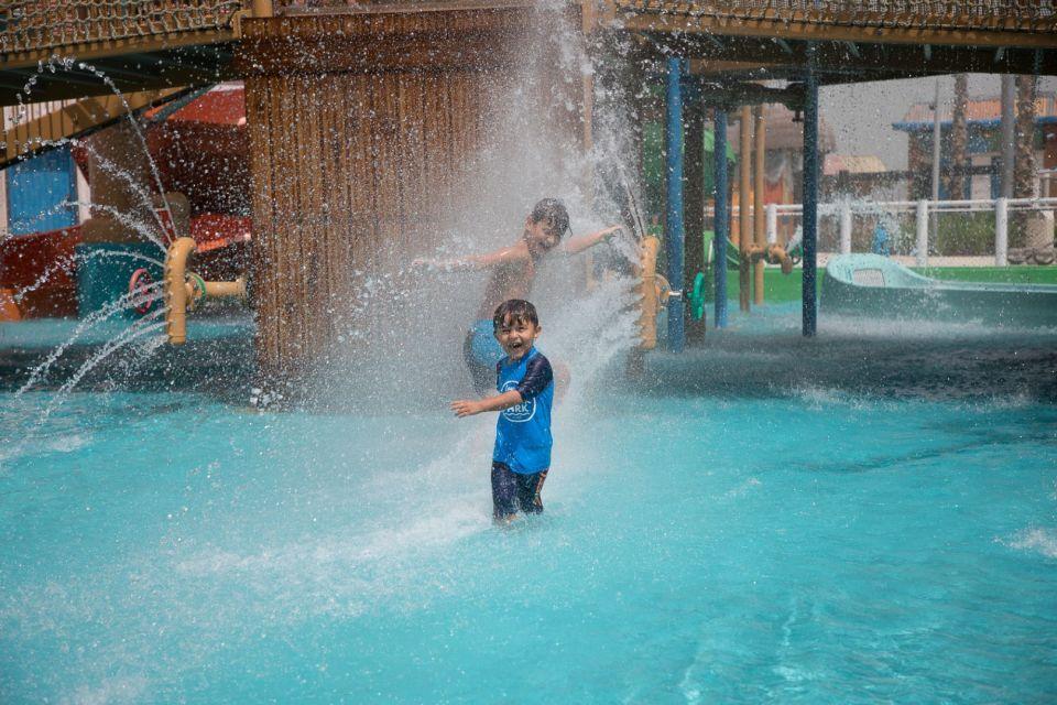 شاهد المتعة مع المياه الدافئة في منتزه لاجونا المائي