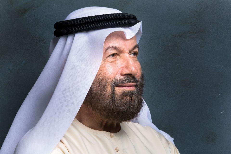كيف أصبح عبد القادر الريس من أبرز الفنانين التشكيليين في الوطن العربي؟