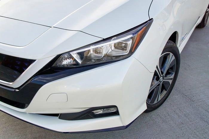 بالصور : نيسان تكشف النقاب عن سيارتها الكهربائية ليف إي+
