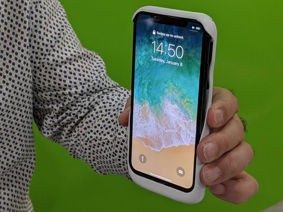 شاهد كوتا، تقنية تحافظ على شحن هاتفك الجوال لاسلكيا من مخترع أردني