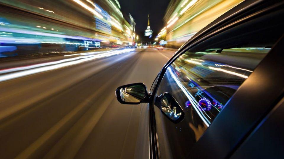 بلا شهود أو رصد كاميرات.. مُحقق في شرطة دبي يطيح بسائق متحاذق
