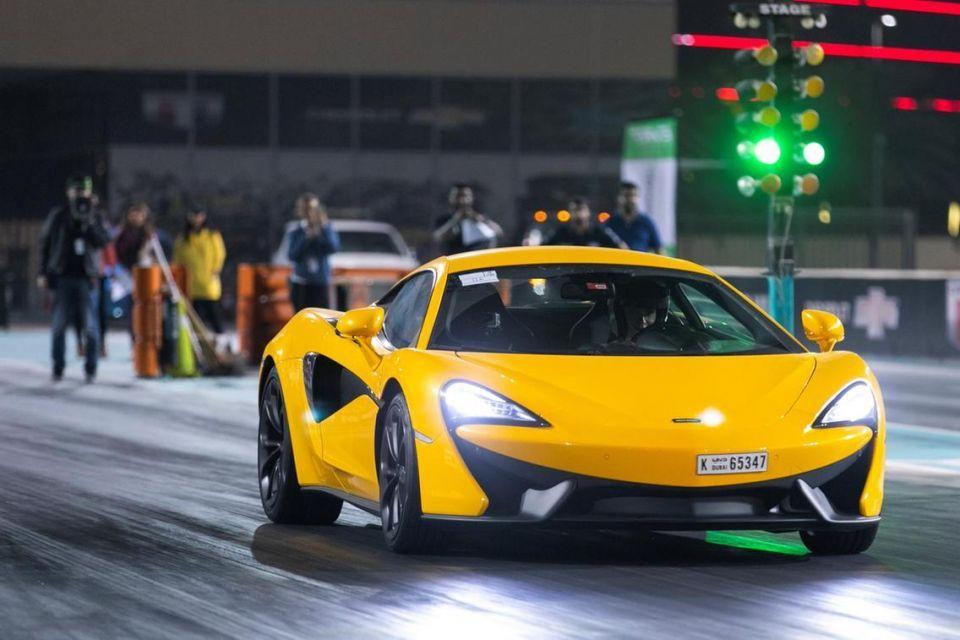 بالصور : سباق السيارات الكهربائية في أبوظبي