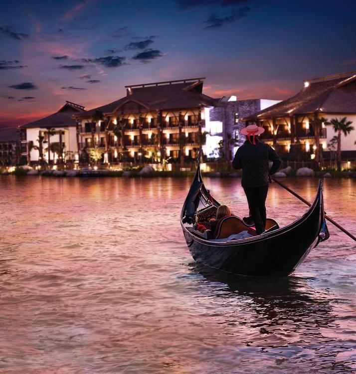 لابيتا يأخذ ضيوفه في رحلة رومانسية على متن القارب بعيد الحب