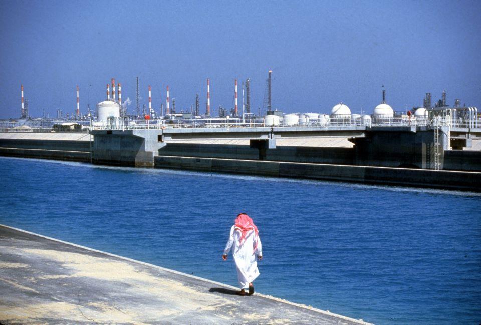 ارتفاع أسعار النفط بعد خفض السعودية الإمدادات لأمريكا