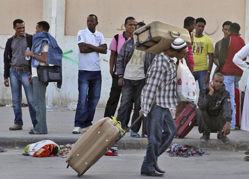 تراجع تحويلات المقيمين في السعودية خلال يناير
