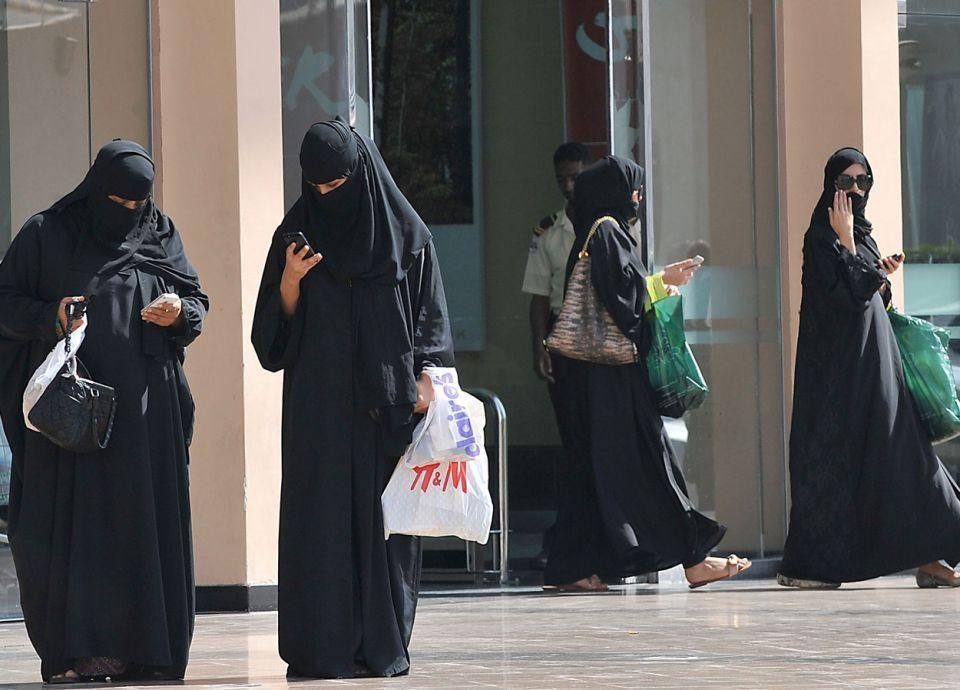 كم كمية العطور التي استوردتها السعودية في 2018؟