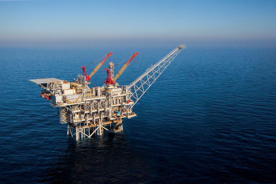 مصر تواجه تحالف روسيا وإيران في تصدير النفط والغاز