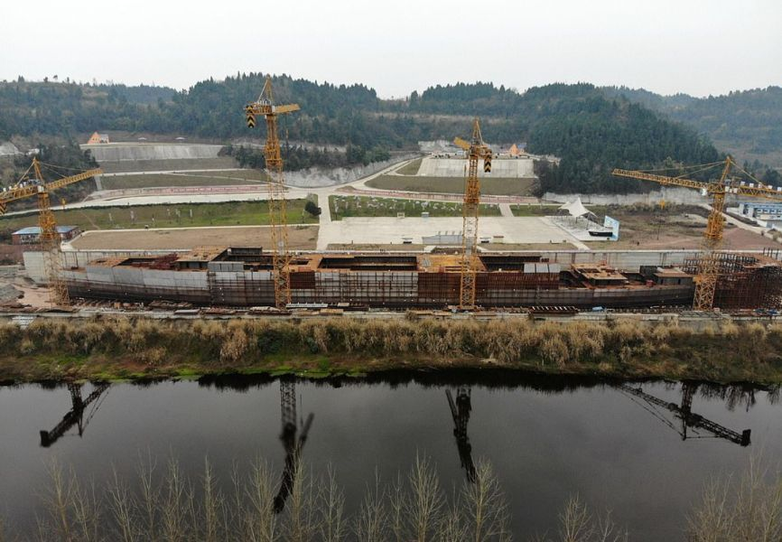 بالصور : سفينة تايتانيك الجديدة في الصين