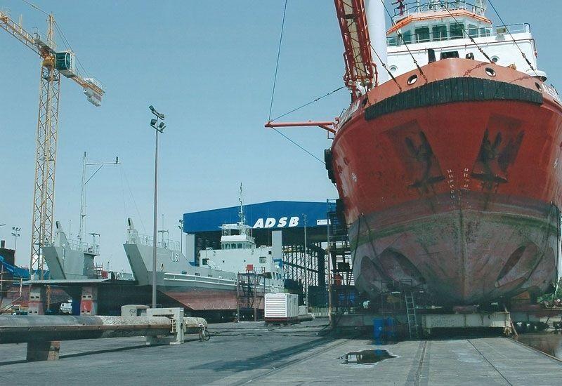 اتفاقية بين أبوظبي لبناء السفن وليوناردو الإيطالية لحساب البحرية الإماراتية