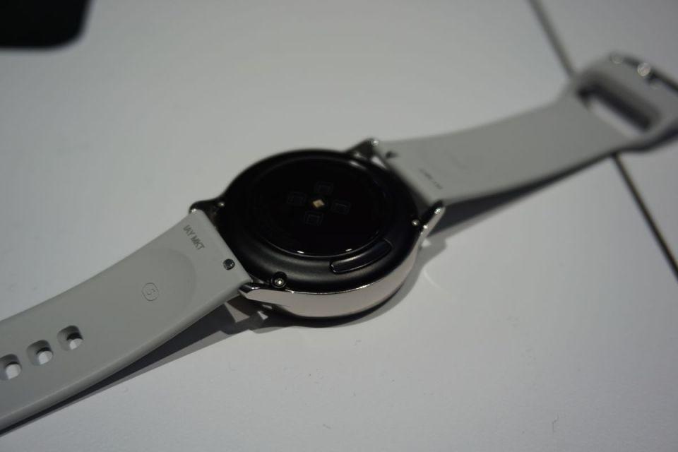 بالصور : نظرة على ساعة Galaxy Active من سامسونج