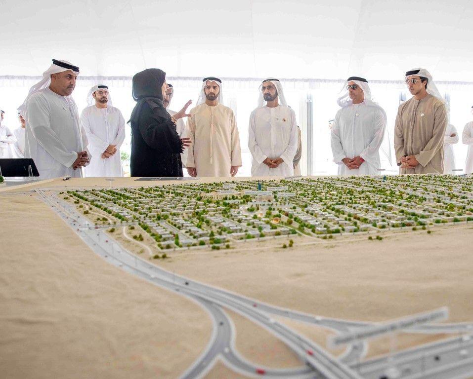 محمد بن راشد يعتمد 32 مليار درهم لبناء 34 ألف وحدة سكنية للمواطنين