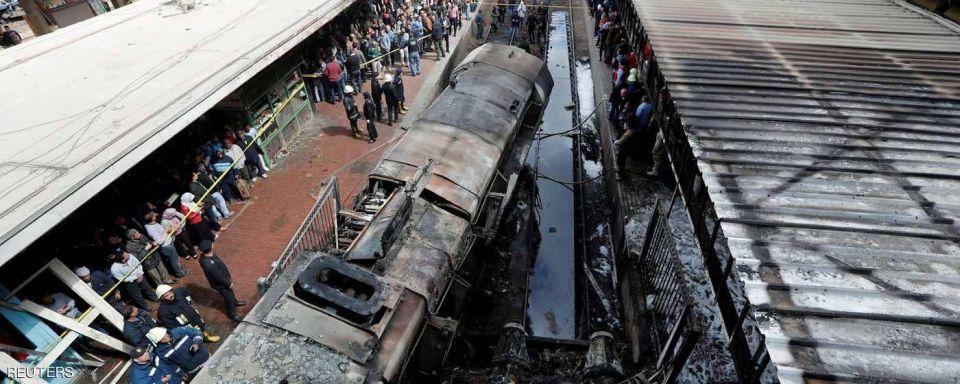 بالصور : عشرات القتلى والجرحى في اصطدام قطار في مصر