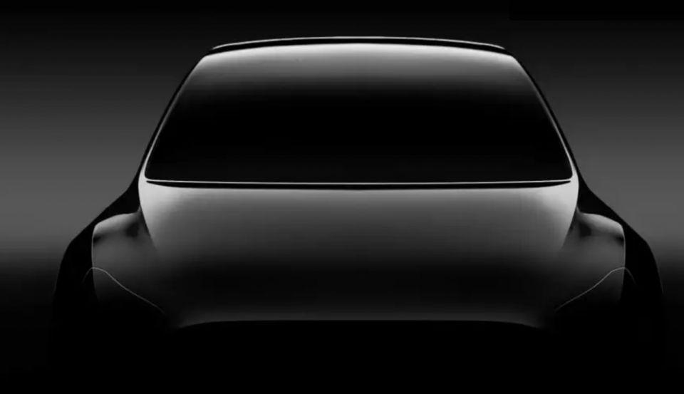شركة سيارات تسلا تثير الجدل بمزاعم القيادة الذاتية الكاملة
