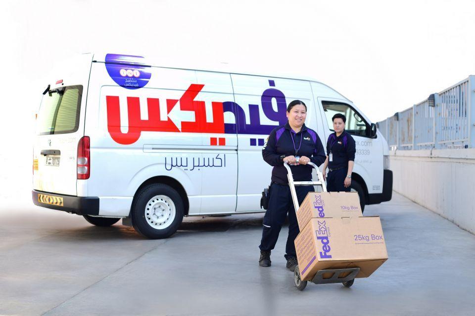 إشراك المرأة في خدمات التوصيل في فيديكس