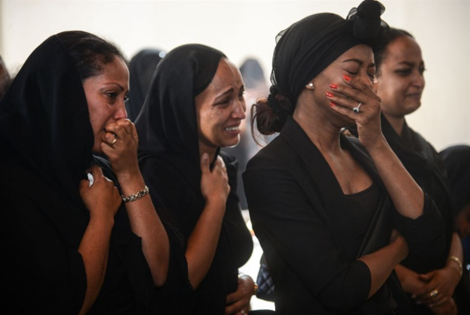 صور مؤلمة لفجيعة أمهات وذوي ضحايا تحطم الطائرة الإثيوبية