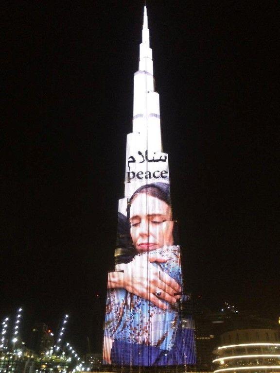 محمد بن راشد يشكر حكومة نيوزيلندا على تعاملها مع الهجوم الإرهابي بكل حكمة
