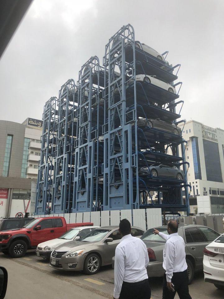 صحيفة سعودية: تكلفة موقف سيارات في الرياض أغلى من أسعار مسكن