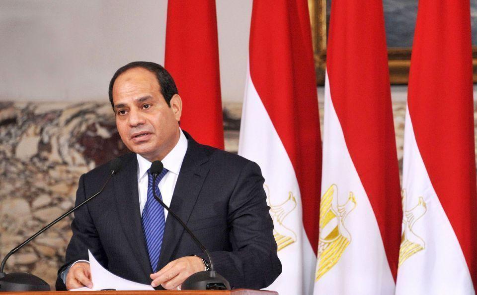 الرئيس السيسي يرفع الحد الأدنى للأجور بمصر إلى 2000 جنيه