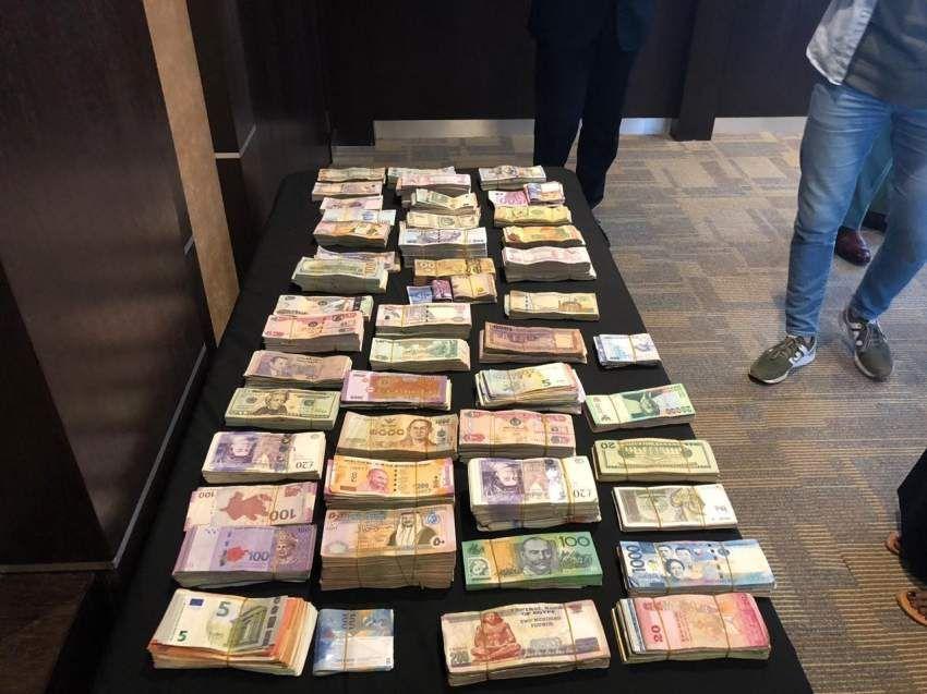 القبض على 5 أشخاص سرقوا مليوني درهم من محل صرافة في الشارقة