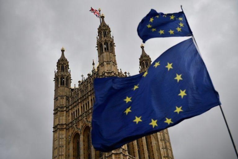 جوازات سفر بريطانية جديدة دون إشارة «الاتحاد الأوروبي» تثير ردود فعل كثيرة