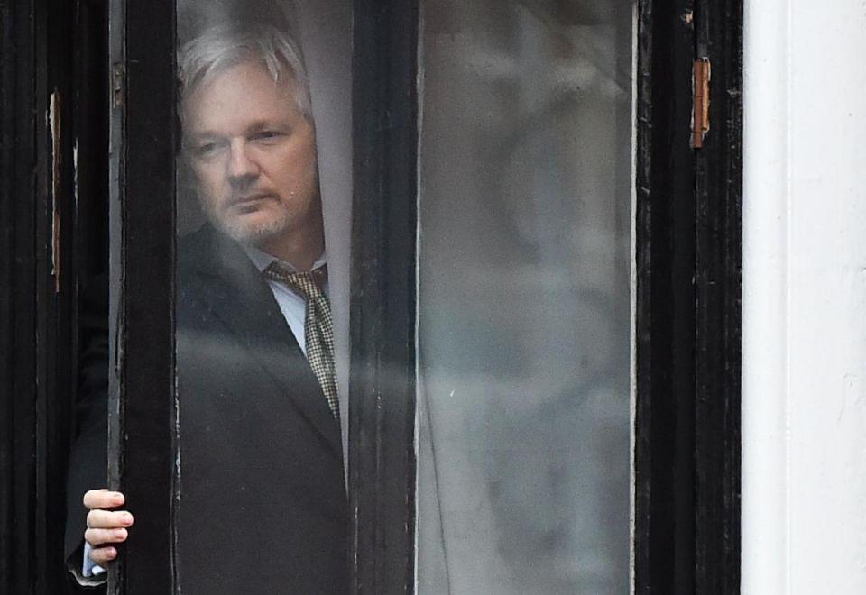 بريطانيا تعتقل جوليان أسانج مؤسس موقع ويكيليكس