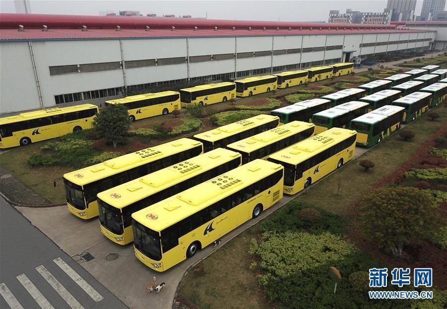 فيديو: السعودية تستقبل 600 حافلة صينية