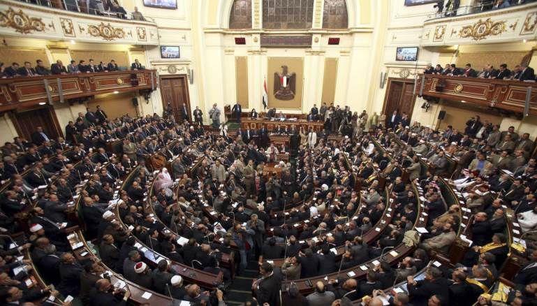 البرلمان المصري يوافق رسمياً على تحديد مدة الرئاسة بـ 6 سنوات
