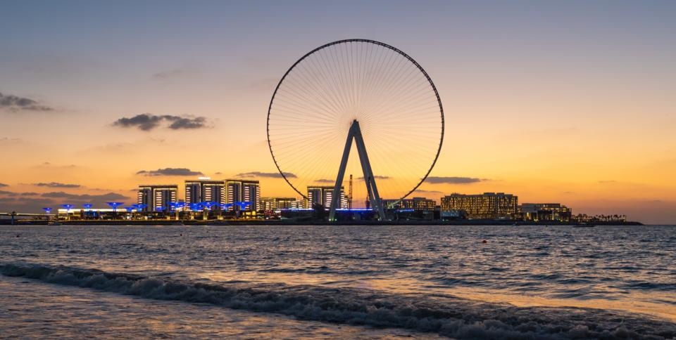 شاهد عين دبي أعلى عجلة ترفيهية في العالم