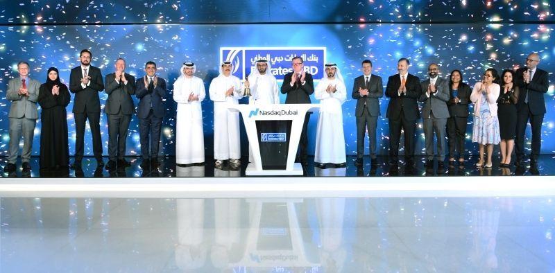 بنك الإمارات دبي الوطني يحتفل بإدراج سندات بقيمة مليار دولار في ناسداك دبي