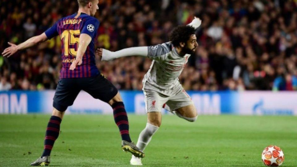 بسبب صلاح.. مدافع برشلونة لانغليه فقد جزءا من أسنانه
