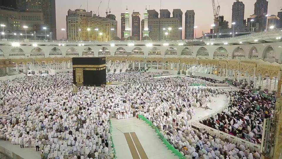 المرور السعودي يوضح أسهل الطرق للوصول للحرم المكي في رمضان