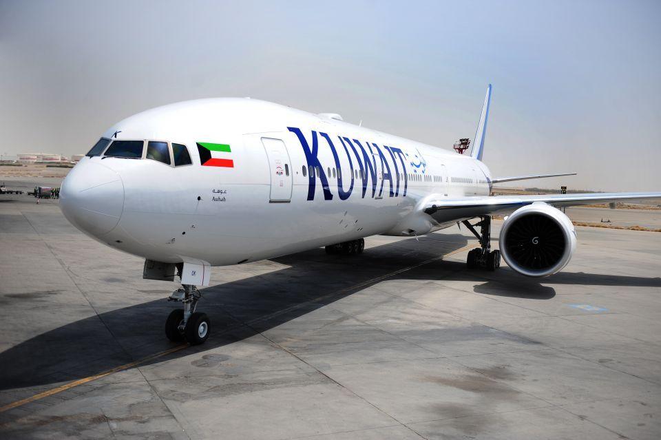 طائرة تدهس موظف الخطوط الجوية الكويتية