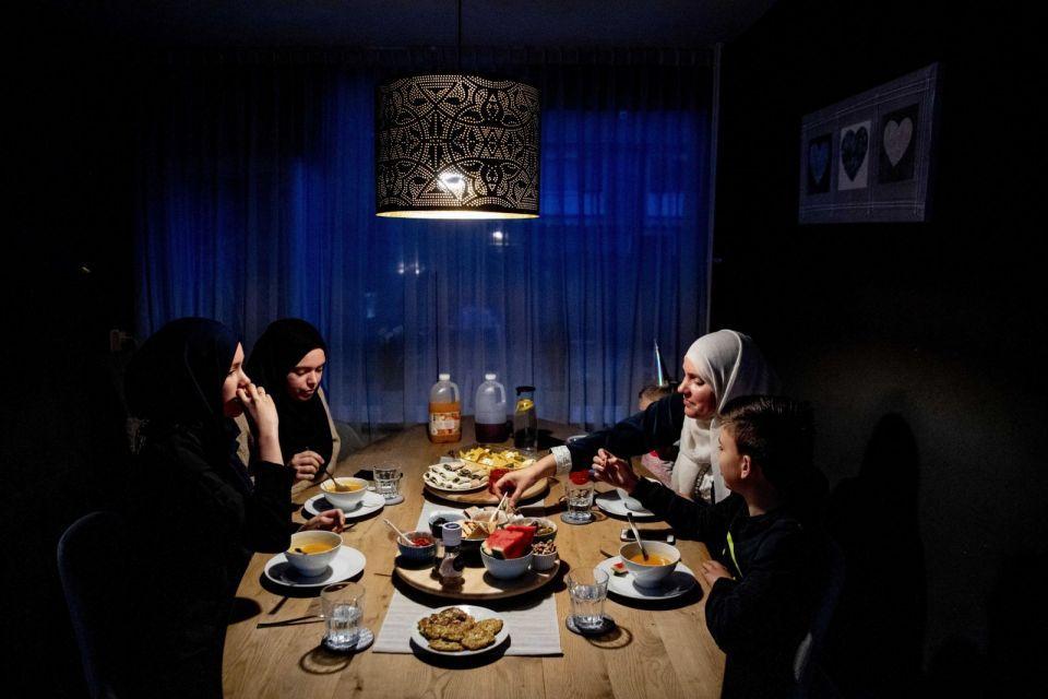 رمضان حول العالم بالصور