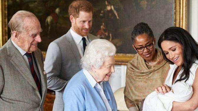أول ظهور لابن الأمير هاري وميغان ماركل