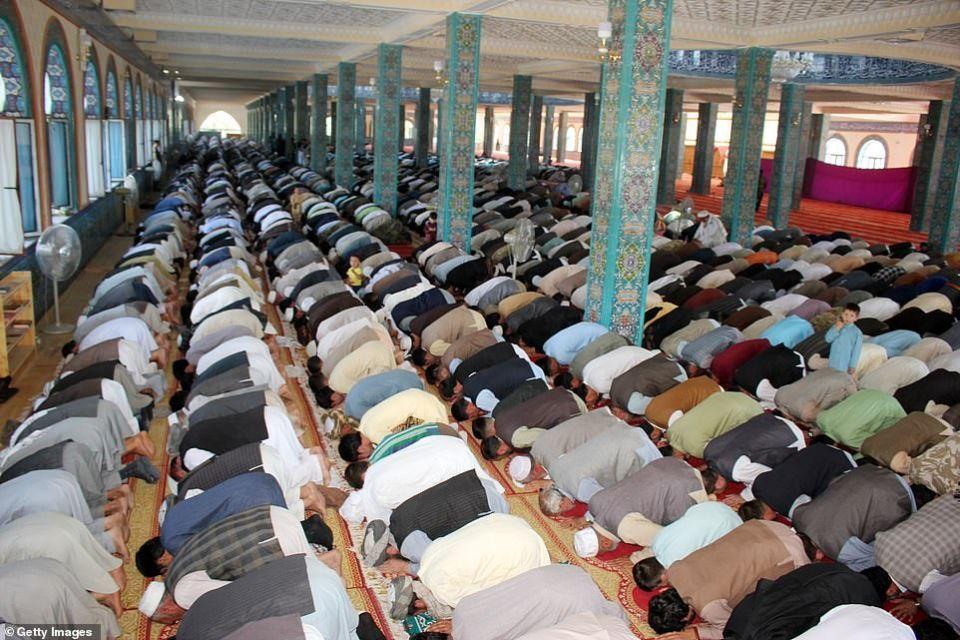 شاهد صلاة العيد حول العالم