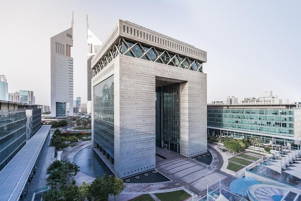 الإمارات الثانية عالمياً في مبيعات العملات الإلكترونية