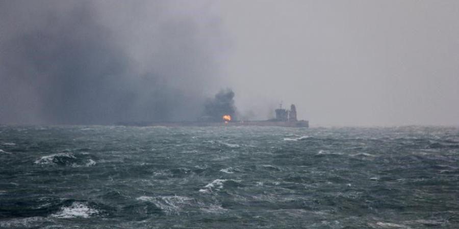 عاجل: استهداف ناقلتي نفط في خليج عُمان