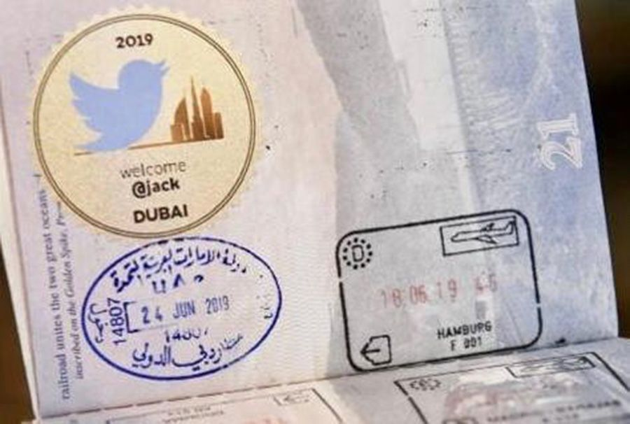 مطار دبي يرحب برئيس تويتر بطريقة خاصة