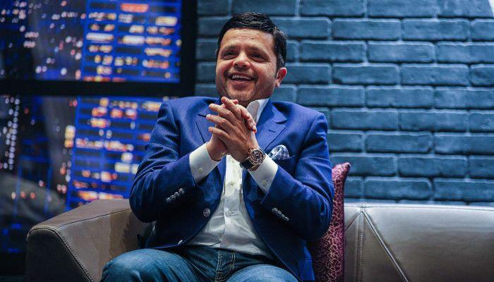 محمد هنيدي يجوب 20 دولة عالمية بكوميديا حيّة على مدار عام كامل
