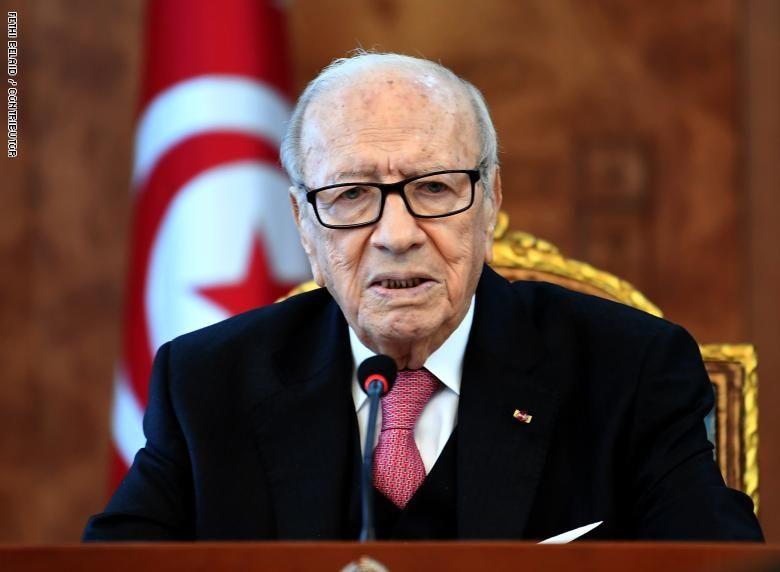 حالة الرئيس التونسي حرجة للغاية لكنه على قيد الحياة
