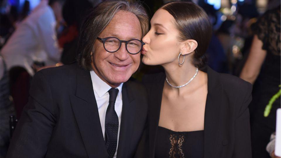 والد عارضة الأزياء بيلا حديد ينتقد الحملة ضد ابنته