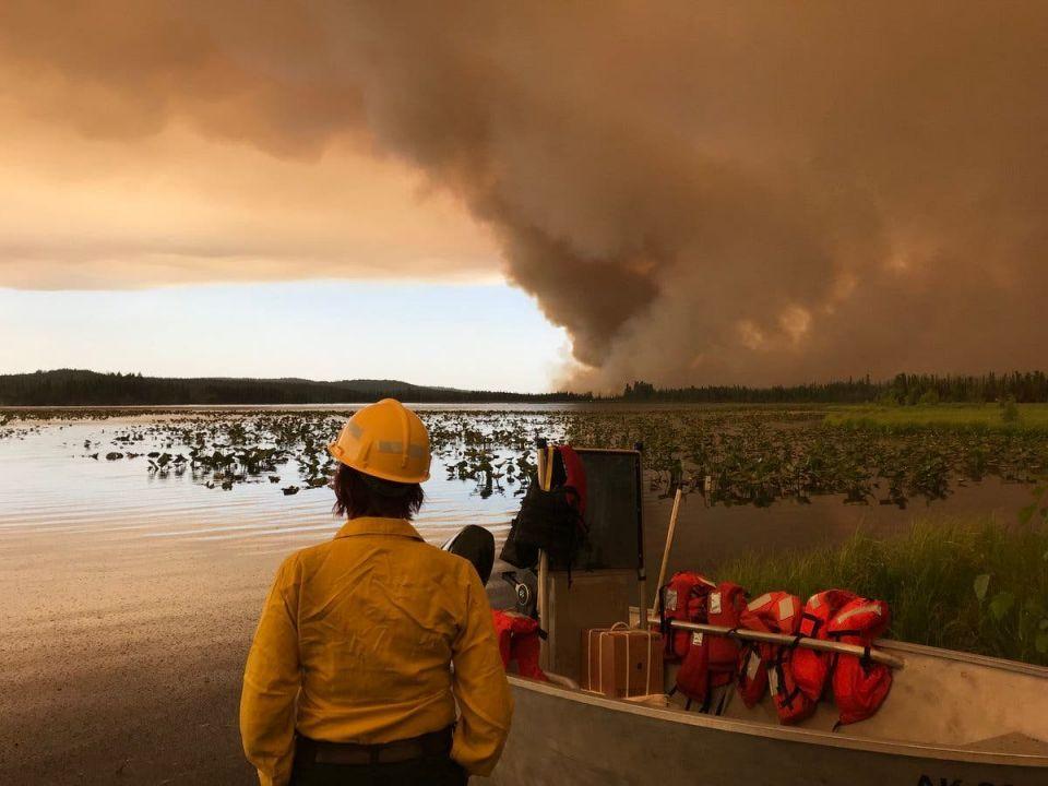 بالصور : حرائق تذوب أنهار الجليد في ألاسكا