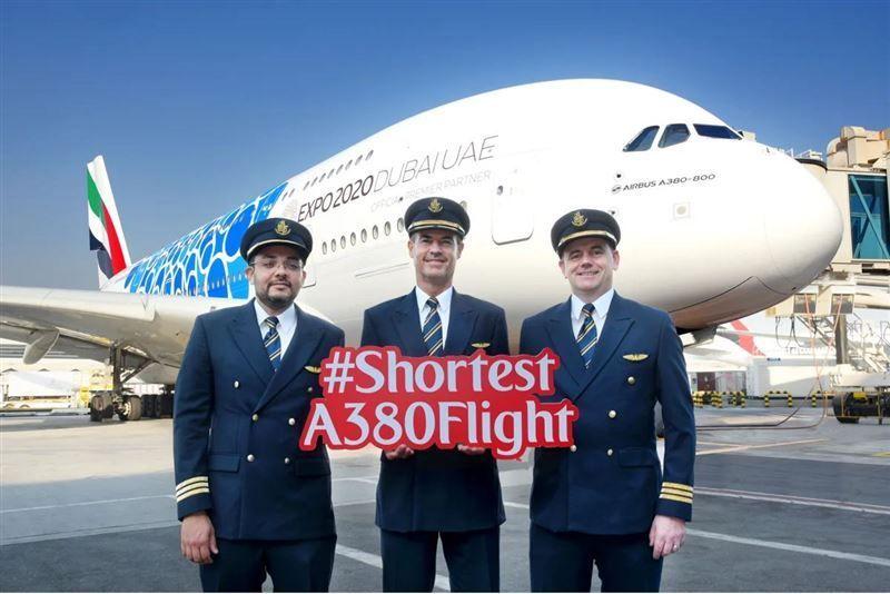 طيران الإمارات تشغل A380 لخدمة رحلتين يومياً إلى مسقط