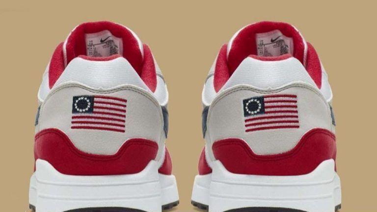 نايكي تواجه عاصفة من الانتقادات بسبب حذاء عنصري