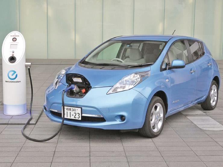 مصر تبحث إنتاج سيارات كهربائية صينية